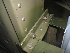 Vertical stablizer rear attachment
