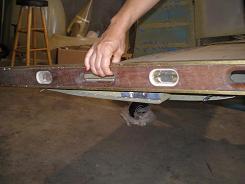 Leveling the horizontal stabilizer