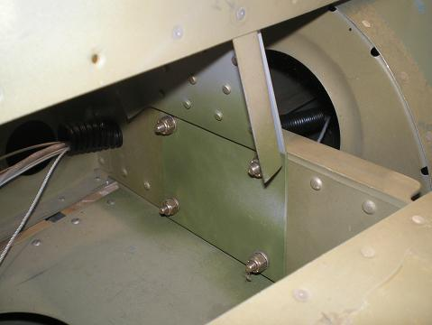 Vertical stabilizer front attachment